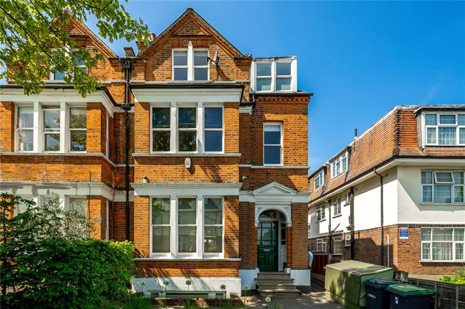 Asking Price £2,000,000, 6 Bedroom Semi Detached House For Sale in London, N10