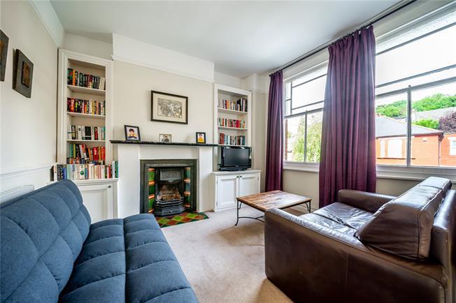 Asking Price £585,000, 2 Bedroom Flat For Sale in London, N10