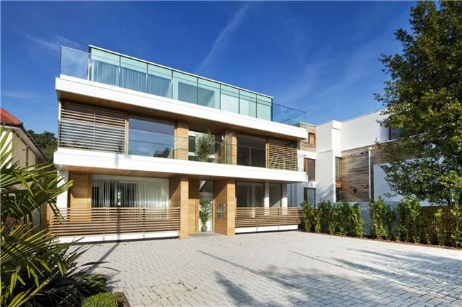 Offers in excess of £960,000, 2 Bedroom Flat For Sale in Twickenham, TW1