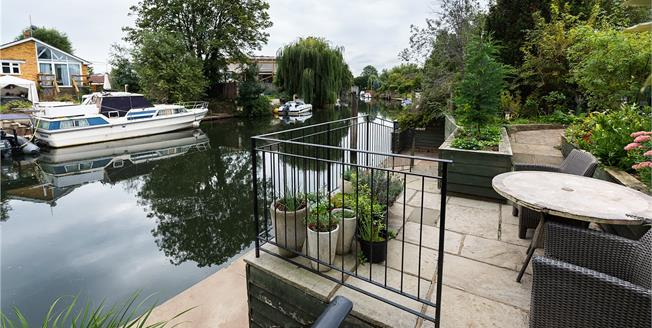 Guide Price £1,299,950, 4 Bedroom Detached House For Sale in Surrey, TW16