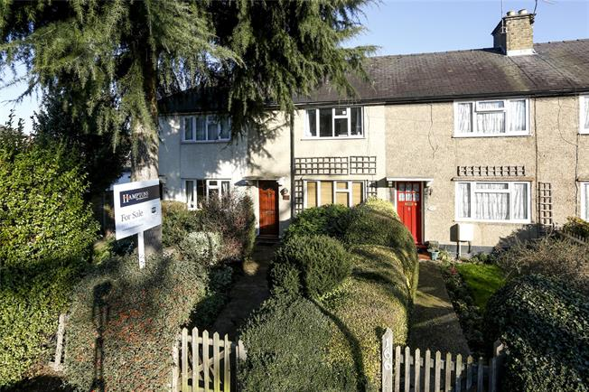 Guide Price £399,999, 2 Bedroom Terraced House For Sale in Hampton, TW12