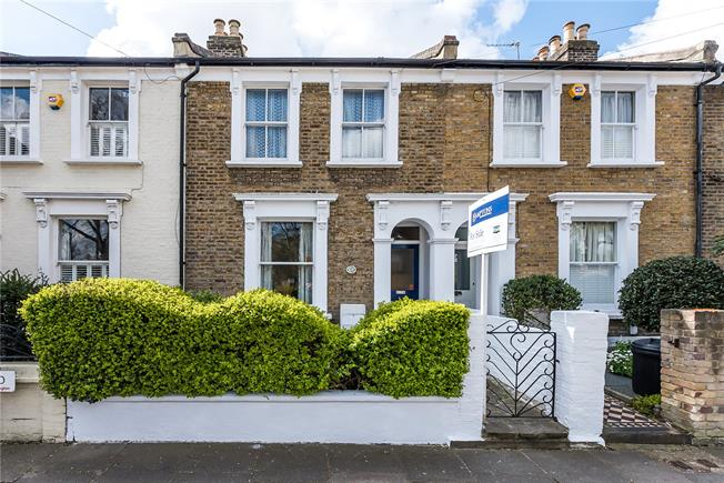 Guide Price £950,000, 3 Bedroom Terraced House For Sale in Teddington, TW11