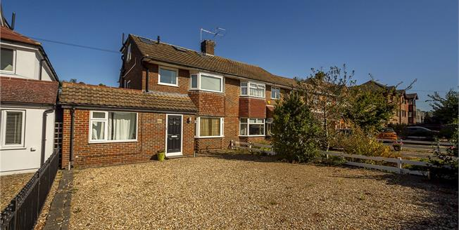 Guide Price £825,000, 4 Bedroom Semi Detached House For Sale in Hampton, TW12