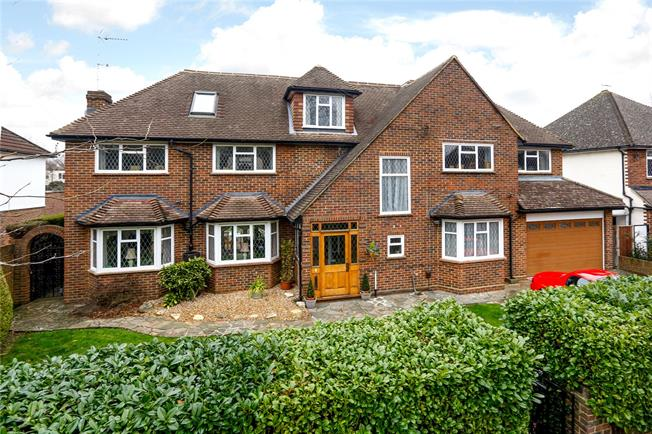 Asking Price £2,000,000, 6 Bedroom Detached House For Sale in Hampton, TW12