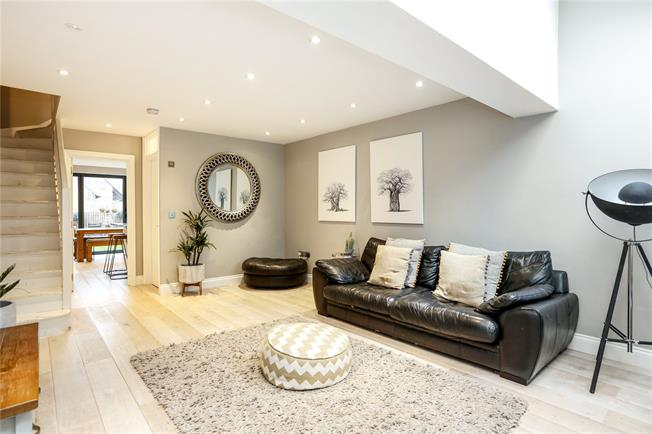 Guide Price £739,950, 3 Bedroom End of Terrace House For Sale in Teddington, TW11