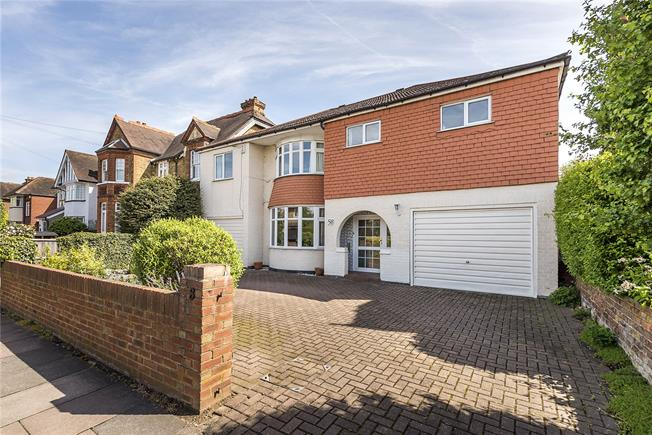 Guide Price £1,200,000, 5 Bedroom Detached House For Sale in Hampton, TW12