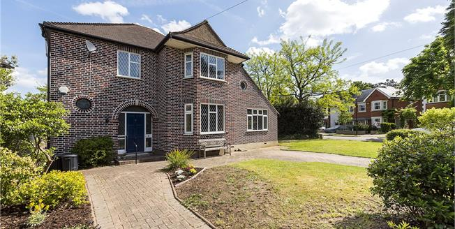 Guide Price £1,450,000, 3 Bedroom Detached House For Sale in Teddington, TW11