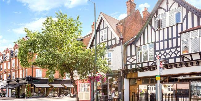 Guide Price £445,000, 2 Bedroom Flat For Sale in Teddington, TW11