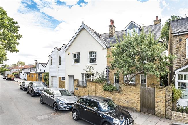 Guide Price £2,300,000, 6 Bedroom Detached House For Sale in Teddington, TW11