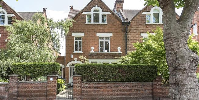 Guide Price £2,100,000, 5 Bedroom Semi Detached House For Sale in Twickenham, TW1