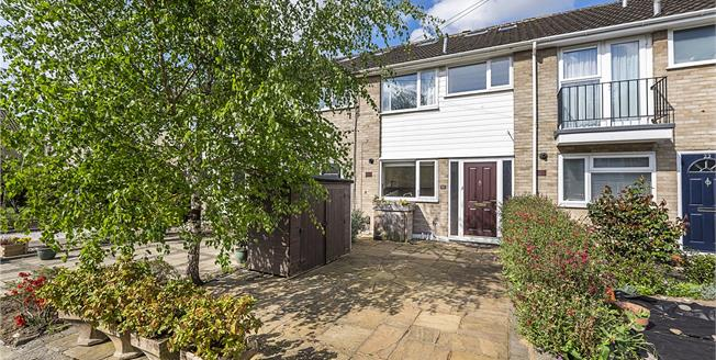 Guide Price £560,000, 3 Bedroom Terraced House For Sale in Twickenham, TW1