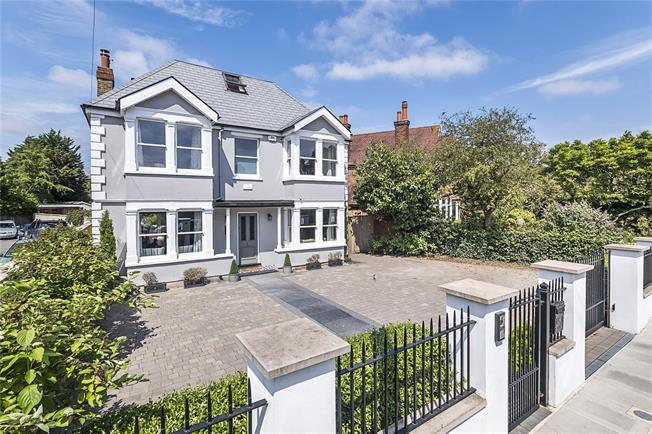 Guide Price £1,500,000, 5 Bedroom Detached House For Sale in Hampton, TW12