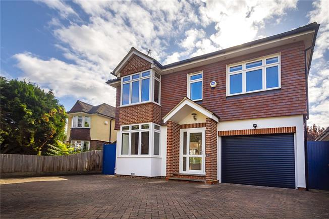 Guide Price £1,895,000, 6 Bedroom Detached House For Sale in Kingston upon Thames, KT1