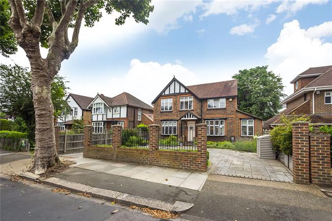 Guide Price £1,690,000, 4 Bedroom Detached House For Sale in Hampton, TW12