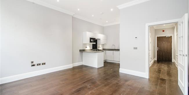 Asking Price £550,000, 1 Bedroom Flat For Sale in London, SW11