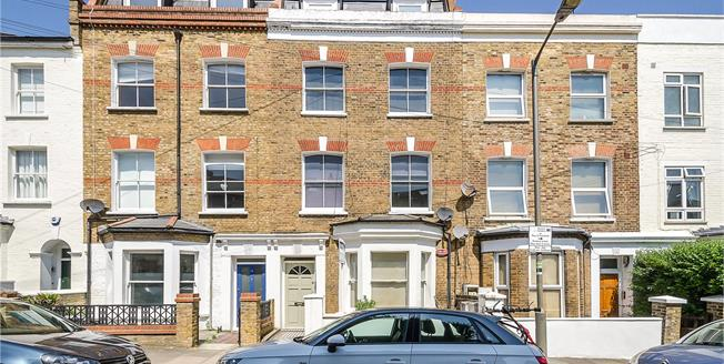Asking Price £899,950, 2 Bedroom Flat For Sale in London, SW11
