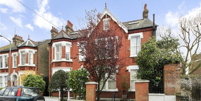 Asking Price £469,000, 1 Bedroom Flat For Sale in London, SW12