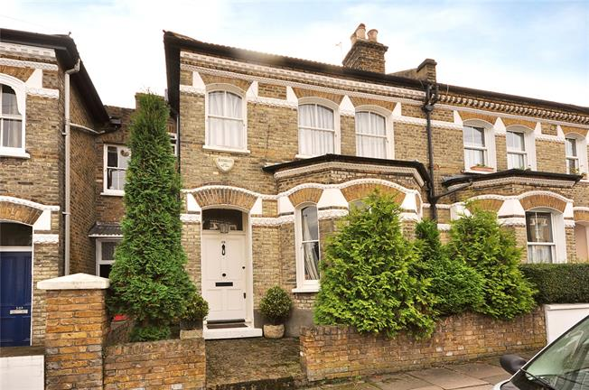 Guide Price £1,675,000, 3 Bedroom Semi Detached House For Sale in London, SW11