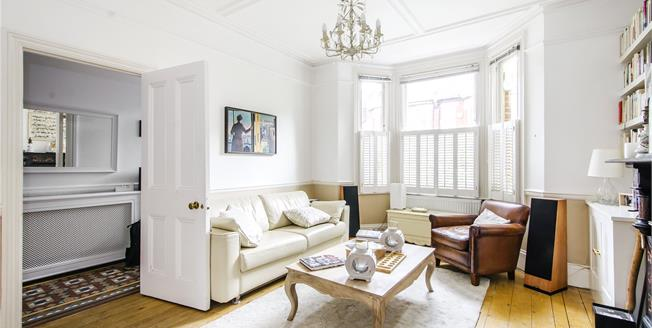 Asking Price £1,650,000, 5 Bedroom House For Sale in London, SW11