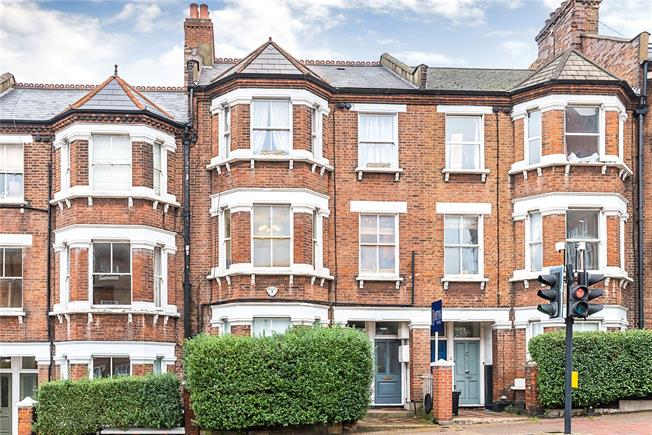 Asking Price £400,000, 1 Bedroom Flat For Sale in London, SW11