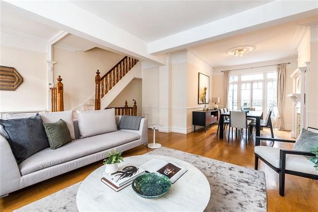 Asking Price £1,550,000, 4 Bedroom Terraced House For Sale in London, SW11
