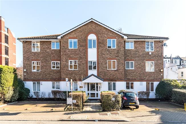 Asking Price £399,950, 1 Bedroom Flat For Sale in London, SW11