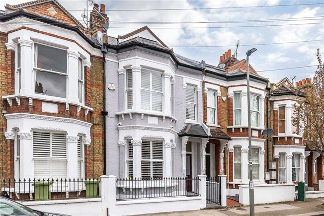 Asking Price £1,430,000, 5 Bedroom House For Sale in London, SW11