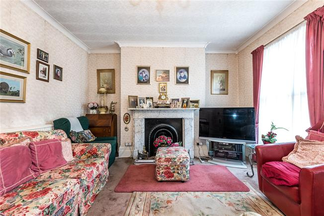 Guide Price £1,500,000, 4 Bedroom Semi Detached House For Sale in London, SW11