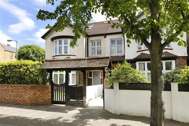 Asking Price £1,850,000, 5 Bedroom House For Sale in London, SW12