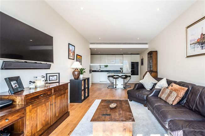 Offers in excess of £800,000, 2 Bedroom Flat For Sale in London, SW11