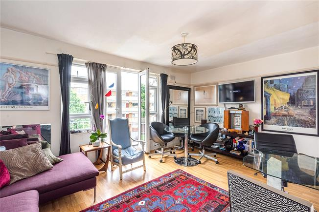 Asking Price £580,000, 3 Bedroom Flat For Sale in London, SW11