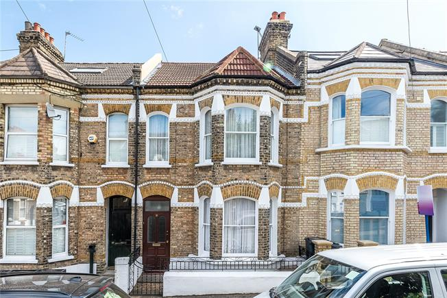 Asking Price £1,000,000, 4 Bedroom Terraced House For Sale in London, SW11