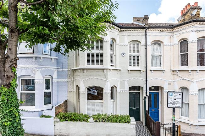 Asking Price £1,150,000, 4 Bedroom Terraced House For Sale in London, SW11