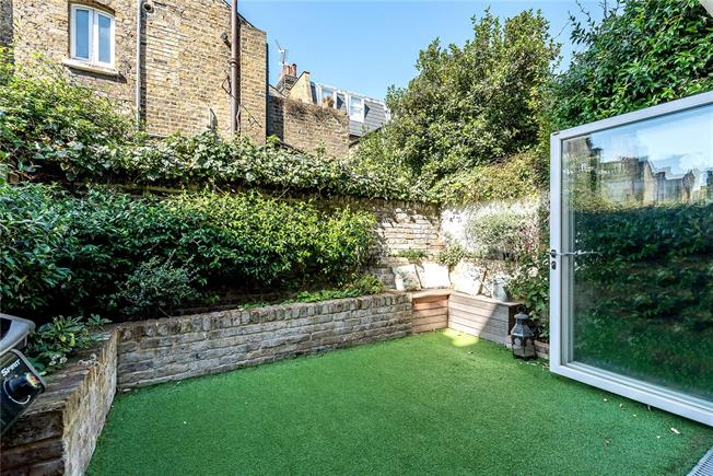 Asking Price £1,200,000, 4 Bedroom Terraced House For Sale in London, SW8