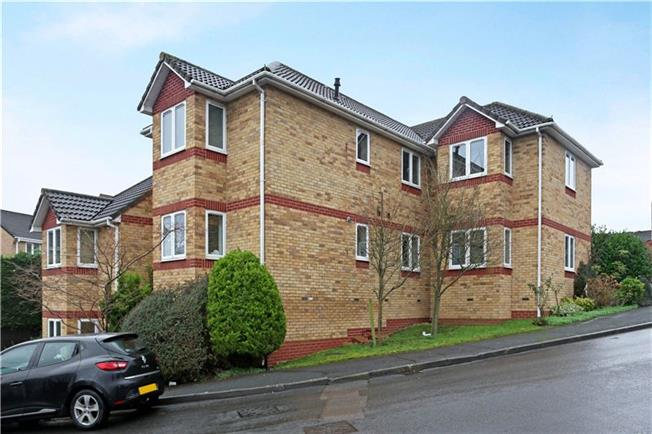 Guide Price £125,000, 1 Bedroom Flat For Sale in Bristol, BS15