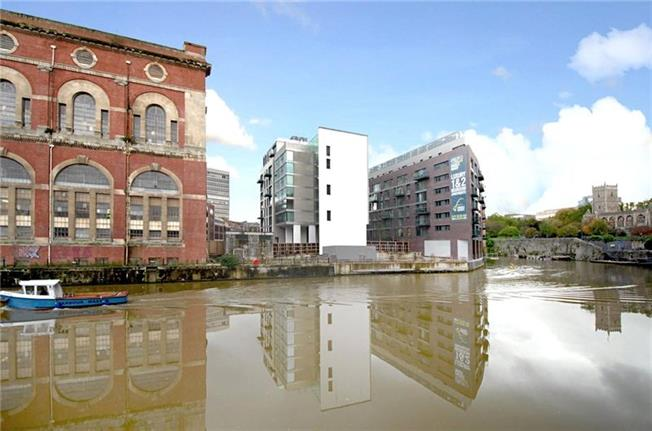Guide Price £225,000, 1 Bedroom Flat For Sale in Bristol, BS1