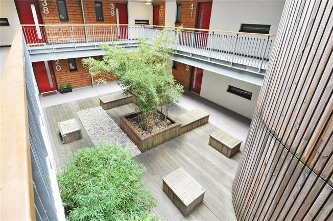 Offers in excess of £210,000, 1 Bedroom Flat For Sale in Bristol, BS1