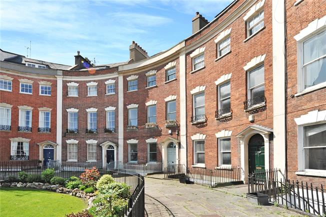 Guide Price £1,350,000, 4 Bedroom Terraced House For Sale in Bristol, BS8