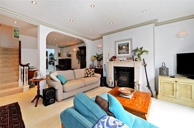 Guide Price £650,000, 3 Bedroom Terraced House For Sale in Bristol, BS8