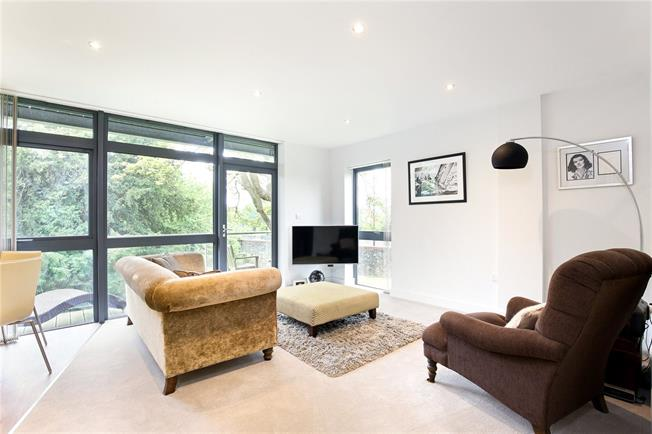 Offers in the region of £400,000, 2 Bedroom Flat For Sale in Redland, Bristol, BS6