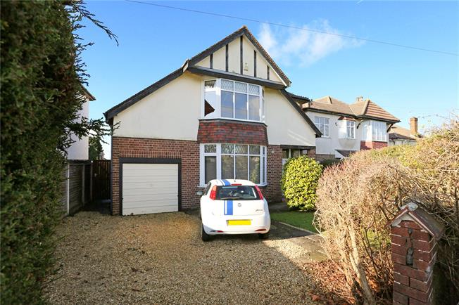 Guide Price £750,000, 4 Bedroom Detached House For Sale in Bristol, BS9