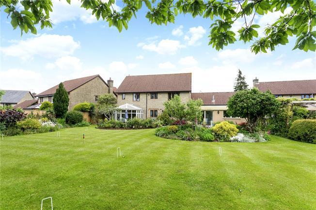 Guide Price £760,000, 5 Bedroom Detached House For Sale in Bristol, BS40