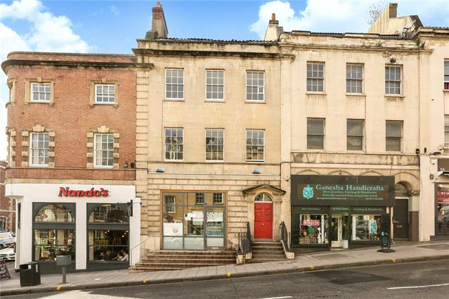Guide Price £325,000, 1 Bedroom Flat For Sale in Bristol, BS1