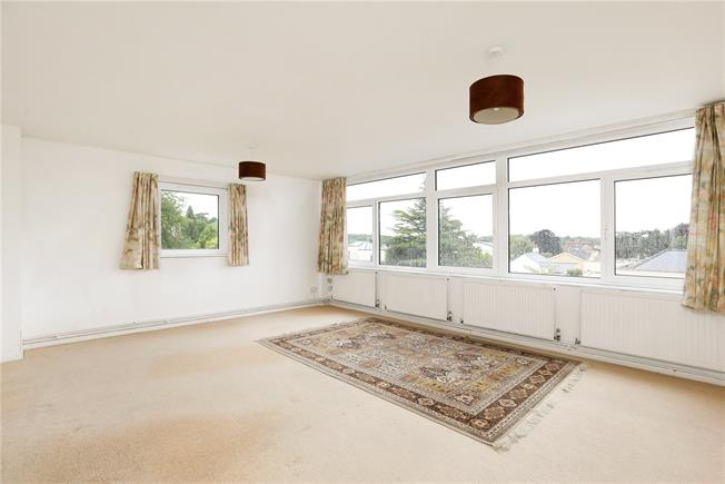 Asking Price £400,000, 2 Bedroom Flat For Sale in Clifton Down, Bristol, BS8
