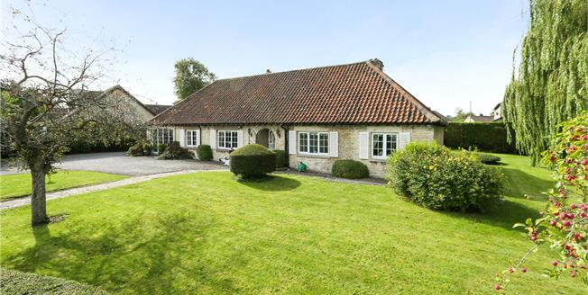 Guide Price £850,000, 3 Bedroom Detached House For Sale in Bristol, Gloucestershire, BS16