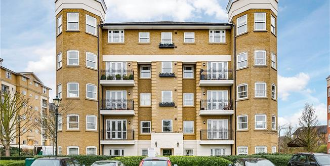 Asking Price £1,695,000, 3 Bedroom Flat For Sale in London, SW13