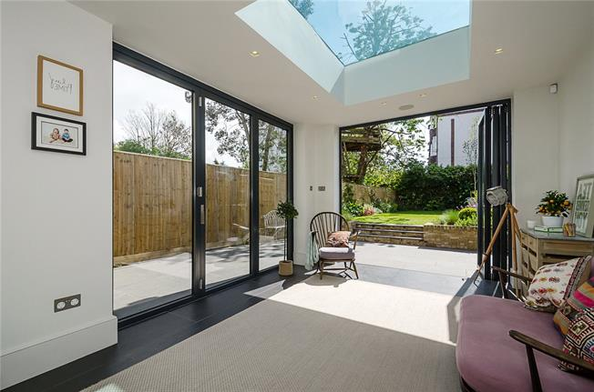 Asking Price £1,350,000, 5 Bedroom Semi Detached House For Sale in London, SW16