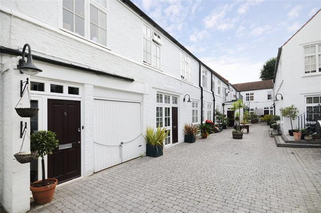 Asking Price £975,000, 3 Bedroom Flat For Sale in London, SW12