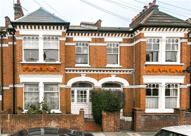 Asking Price £710,000, 3 Bedroom Flat For Sale in London, SW17