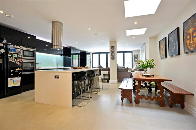 Asking Price £1,800,000, 6 Bedroom Terraced House For Sale in London, SW17